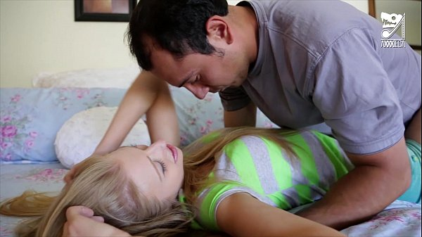 ateca sexy blonde young is very fucked to her teen blonde